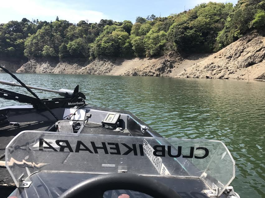 池原ダムで釣り