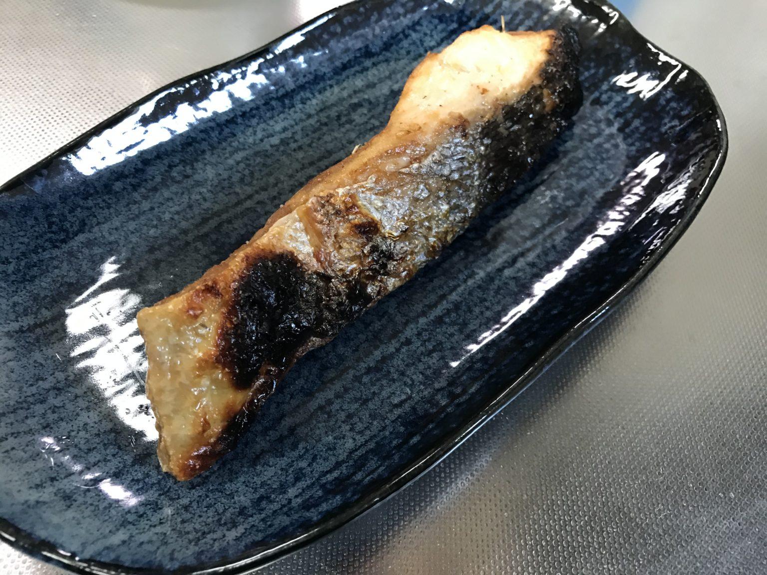 塩焼きにした時鮭の切り身-3