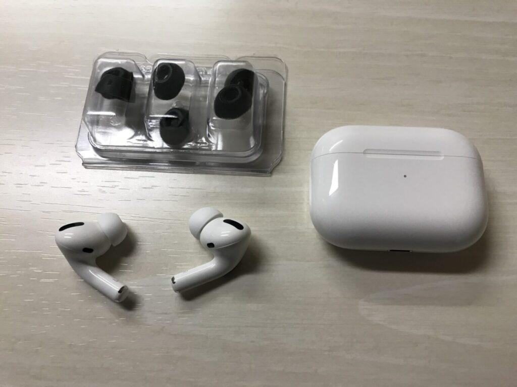 AirPods Pro+COMPLY